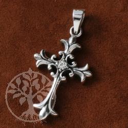 Kreuz anhänger silber  Silber Kreuz Anhänger Gotisch mit Kristall - Edelsteine Grosshandel