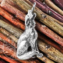 Silver Pendant Howling Wolf