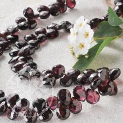 Garnet faceted Drop Necklace