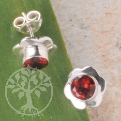 Garnet Silver Earrings Flower