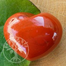 Roter Jaspis Herzfigur Handschmeichler