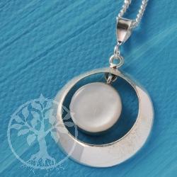 Nacre Pendant Silver White