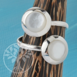 Silver Ring Nacre White