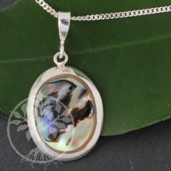 Mother of Pearls Pendant