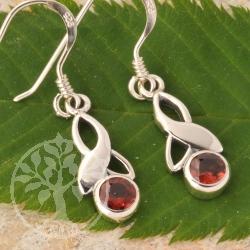 garnet earrings faceted stones sterlingsilver edelsteine. Black Bedroom Furniture Sets. Home Design Ideas