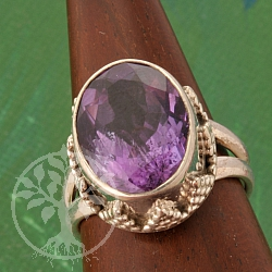 Amethyste Sterling Silver Ring facetted gemstone