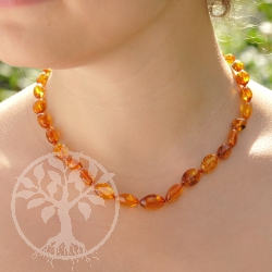 Amber Necklace Olive Cognac