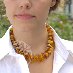 Amber Necklace Country