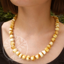 Amber Necklace Light Yellow