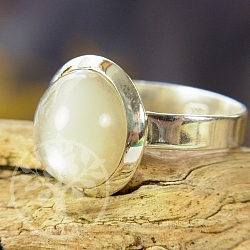 Moonstone Silver Ring Round