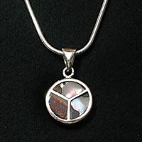Silberanhaenger mit gefasstem Perlmutt SSAH23