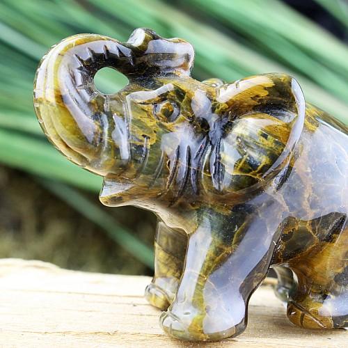 Perter der Elefant aus Tigerauge