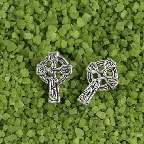 Earstud Cross Gothic