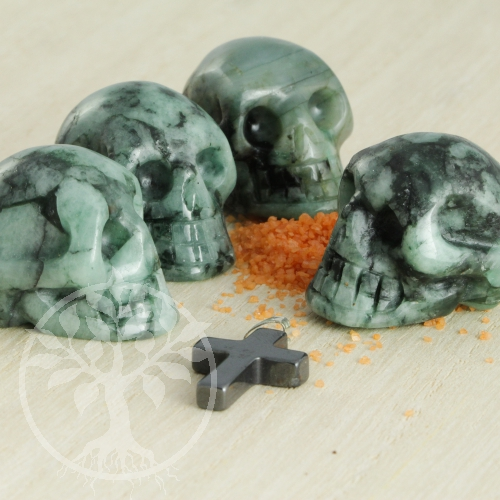 Smaragd Totenkopf Kristallschädel 30mm