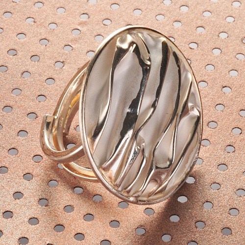 Silver Ring Structure