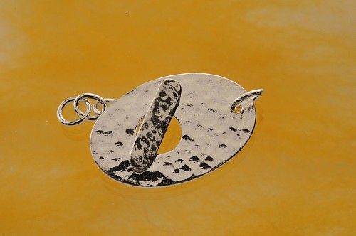 Toogle Clasp hammered Sterling Silver 28mm