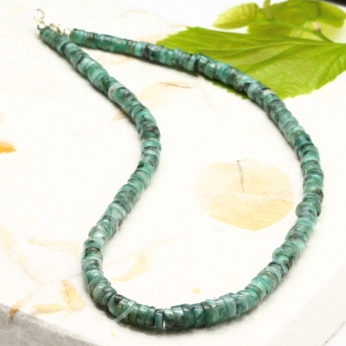 Smaragd Halskette mit runden Scheibenperlen 6-8 mm