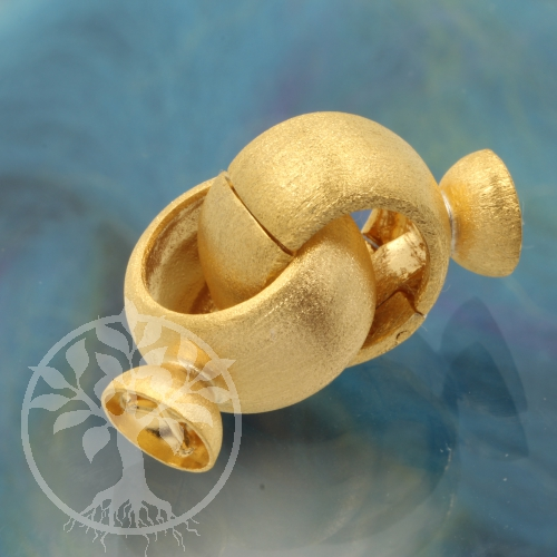 Gold Clasp Ring Rin in Sterlingsilver 925 gold plated Big for heavy neklaces.