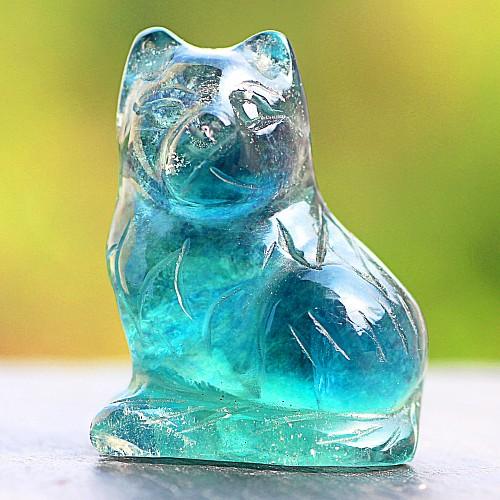 Blauer Fluorit Katze aus blauem Edelstein Naturstein