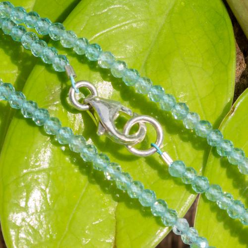 Apatit Halskette 45cm facettierte Perlen 3 mm.
