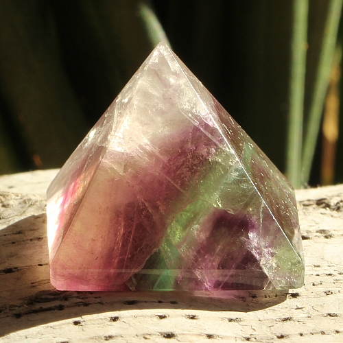 Fluorit Pyramide 011