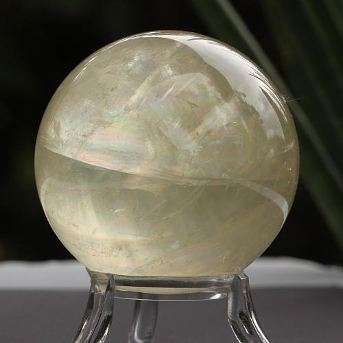 Calcit weiß Doppelspat Kugel eine Kalzitkugel weiß 62mm