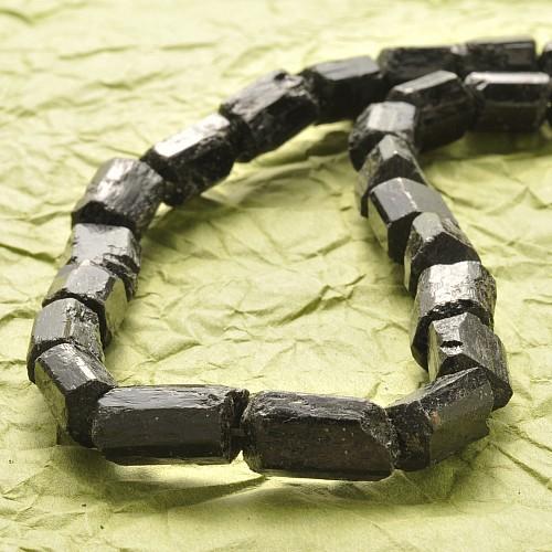 Schwarzer Turmalin Roh Schörl Perlen längs gebohrt 15-11mm lang