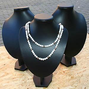 Bust for necklace big black