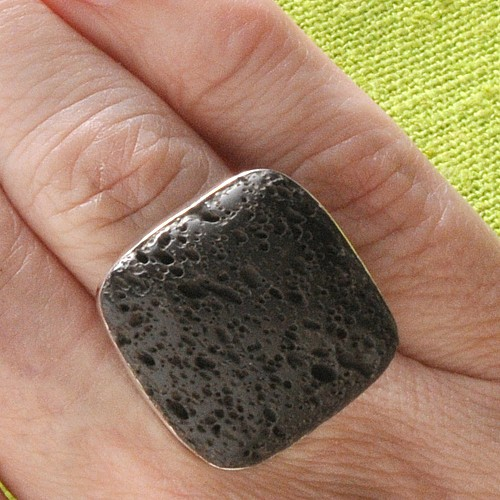 Ring with Lava Square