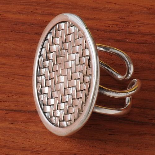 Silverring woven