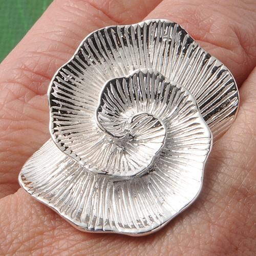 Silver Ring Rosette
