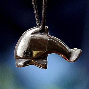 Delfin aus Hämatit klein