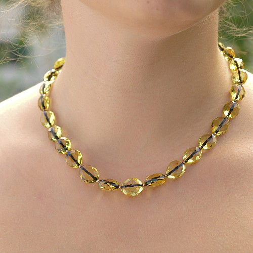 Amber Necklace Green Facetted