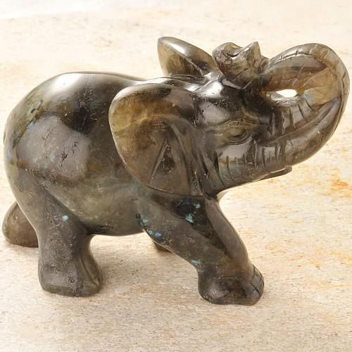 Labradorit Steinelefant