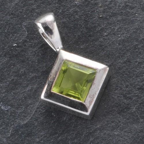 Peridot Pendant Silver square