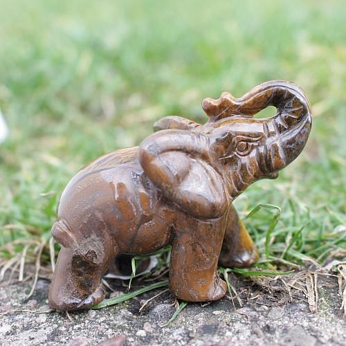 Einzigartiger Tigerauge Elefant Horst