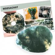 Moosachat Stein mit Information über Bedeutung/Wirkung im Set