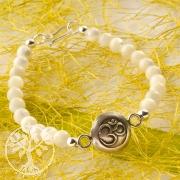 Mother of Pearl Bracelet Ohm