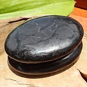 Schungit flacher Ovaler großer Edelstein 70*50*15mm