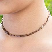 Zirkon Halskette Quaderform etwa 5x3x2 mm.