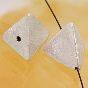 Silberperle gebürstetes Pyramide Sterlingsilber 925 14mm