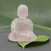 Rosenquarz Buddha 001  55x40x30mm