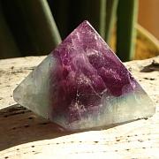 Fluorit Pyramide 012