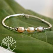 Armband aus Silber mit rosa Perlen