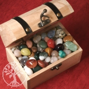 Holz- Schatztruhe gross gefüllt mit Steinen