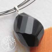 Turmalin schwarz Anhaenger mit Silberöse 925 facettierter Turmalin Stein