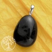 Onyx pendant with sterlingsilver loop