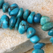 Turquoise Beads Tumbled Chips Round