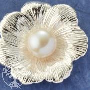 Silver Pendant Pearl Cosmea