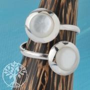 Silver Ring Nacre White